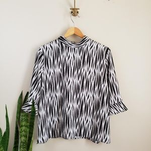 14th & Union black and white blouse XL